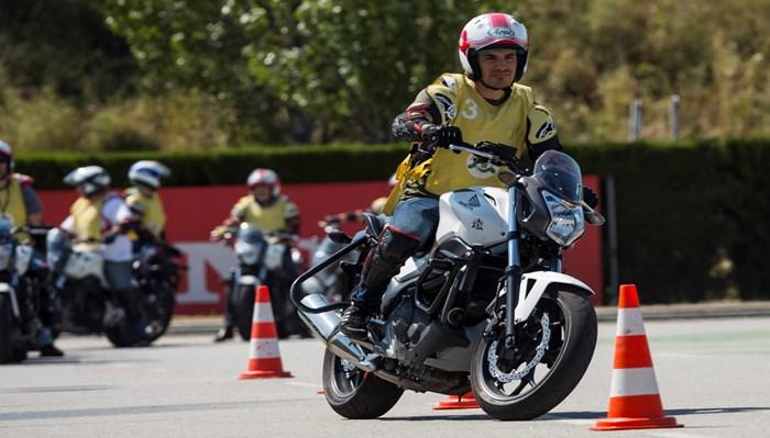 Solicitud del carnet para manejar motocicletas